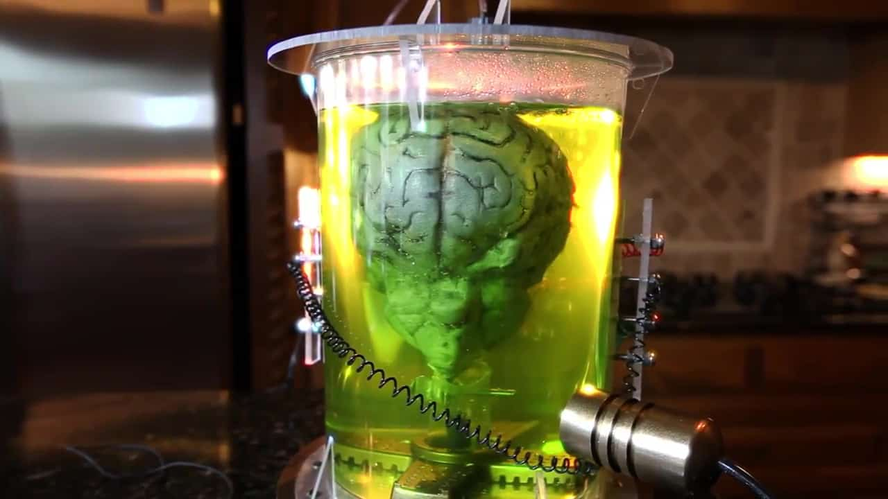 How to make The Brain of Morbius (Brain in a Jar) - The Geek Pub