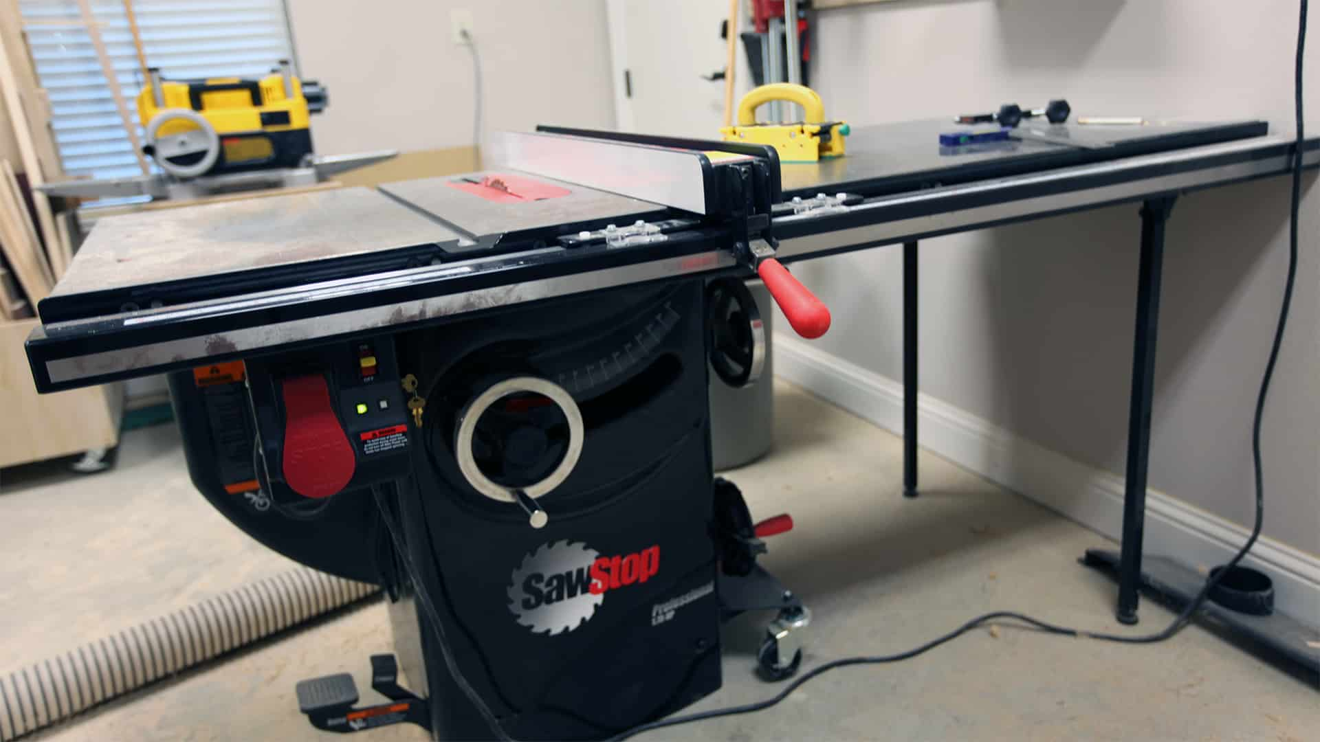 Shop Tour Sawstop Professional Cabinet Saw The Geek Pub