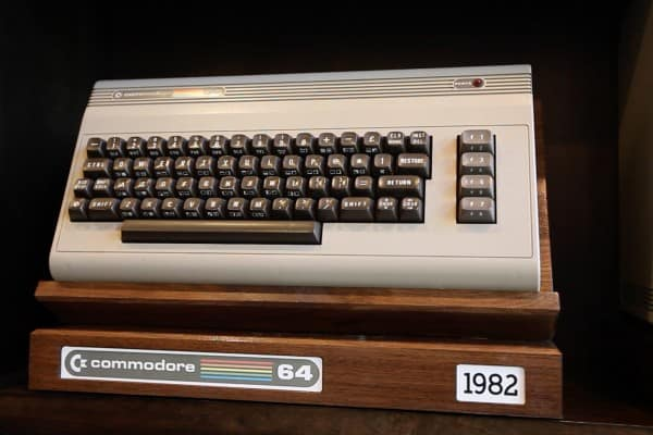 Commodore 64 Display Stand 0001