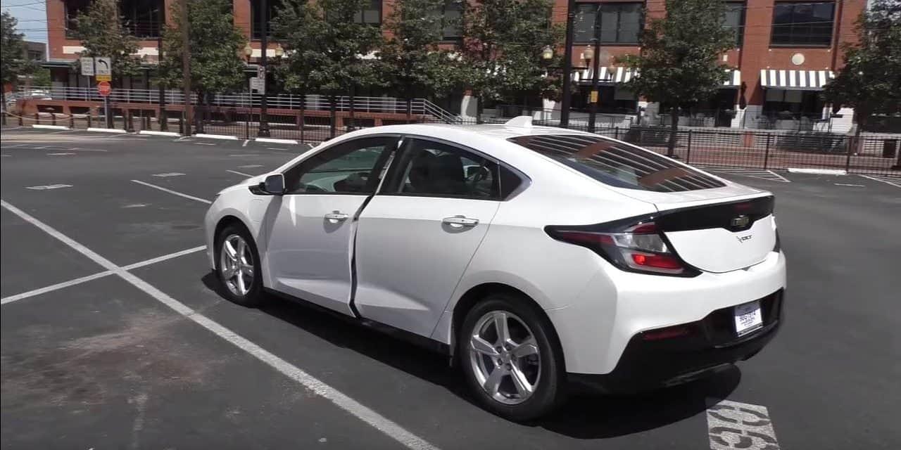 2017 Chevrolet Volt vs. Tesla Model 3