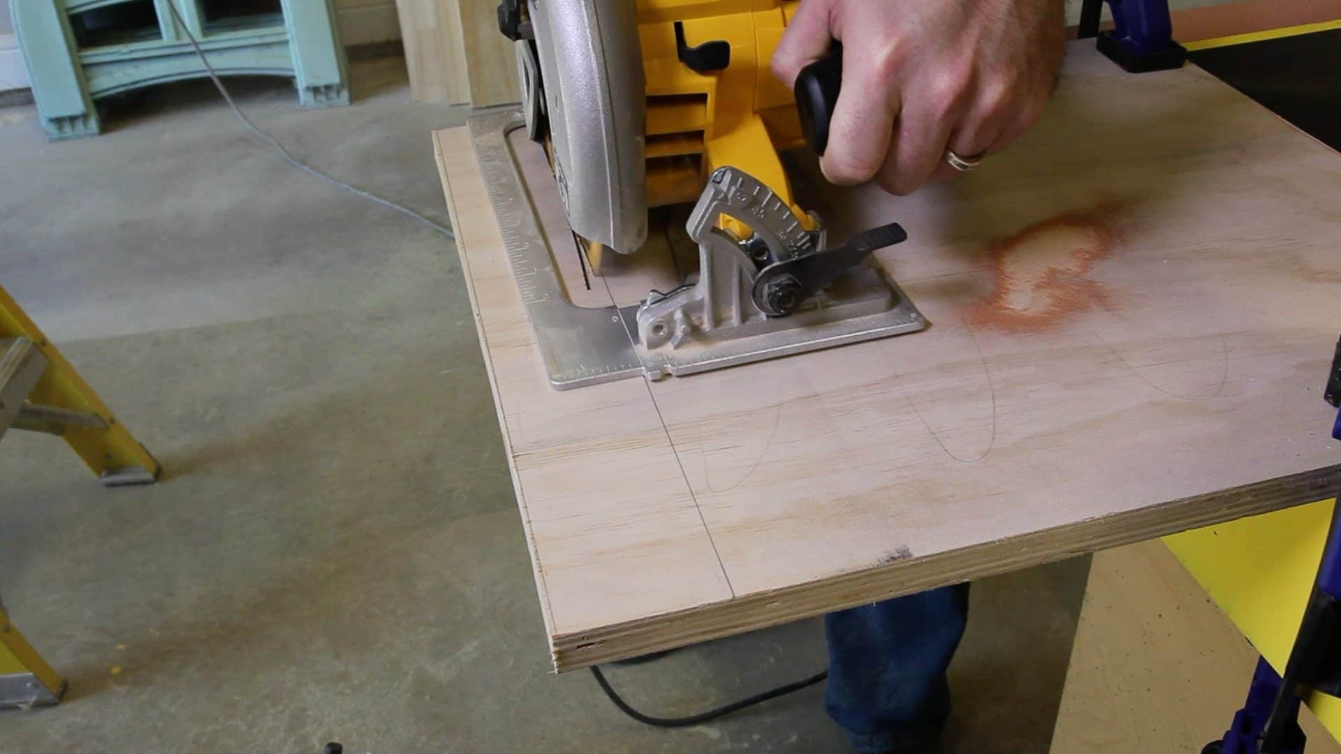 Using a Circular Saw -0007