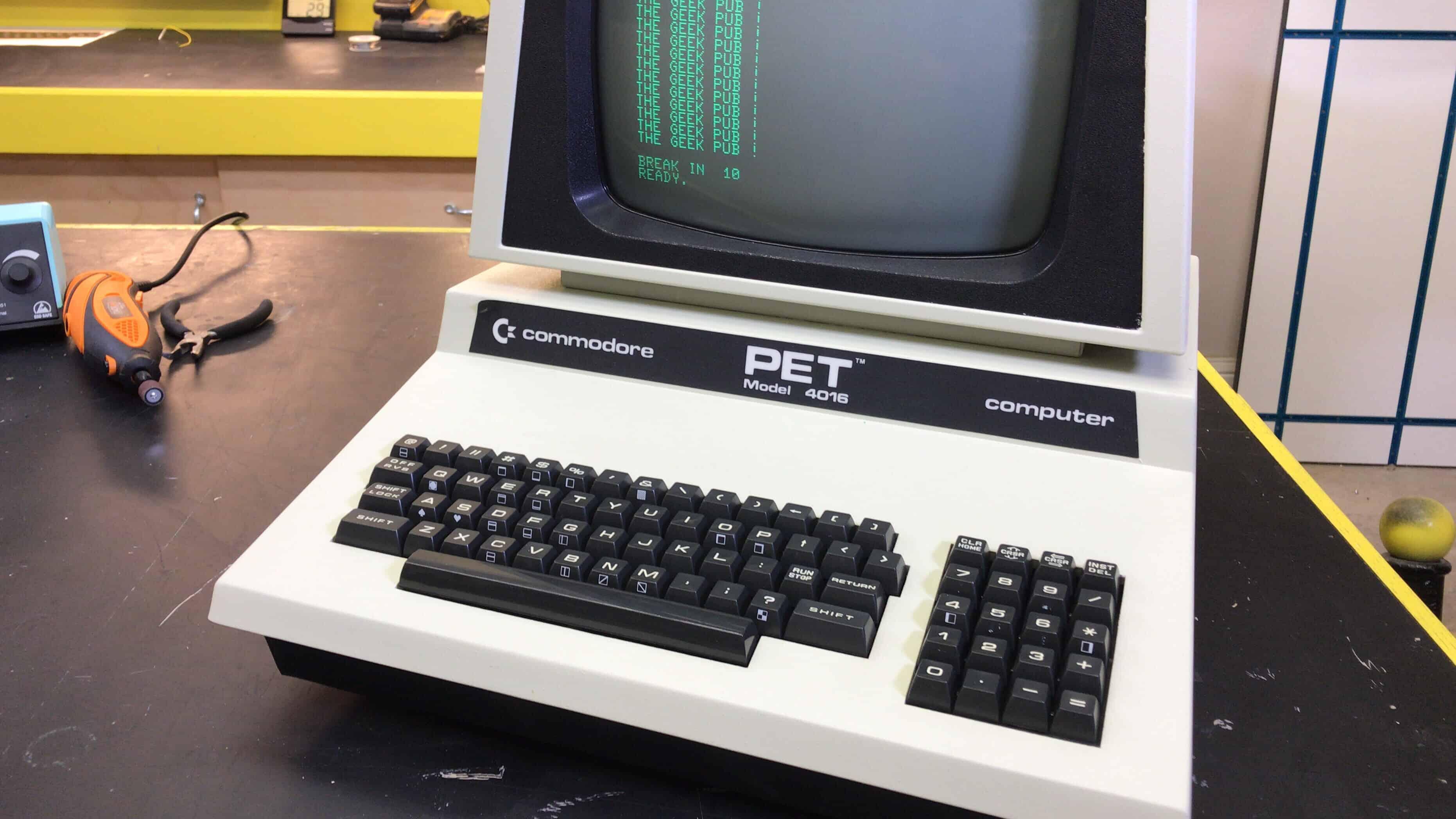 Repairing the Commodore PET 4016 - The Geek Pub