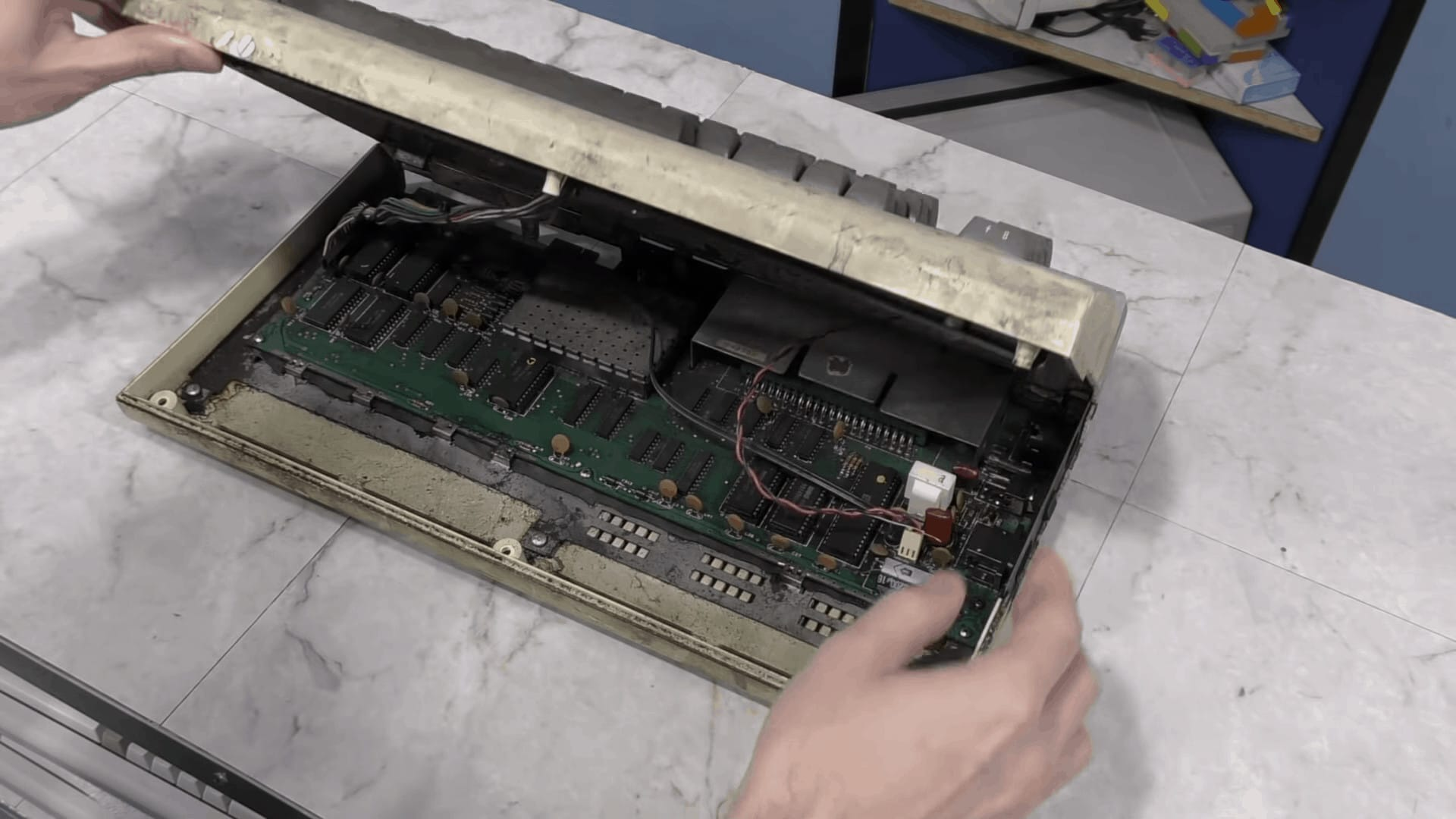 Opening the VIC-20
