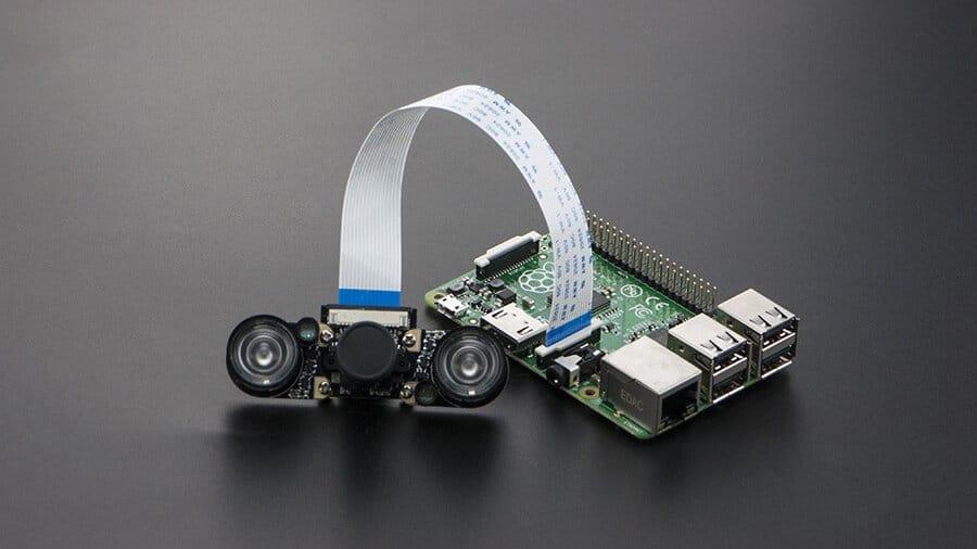 Raspberry Pi NOIR vs Normal Camera