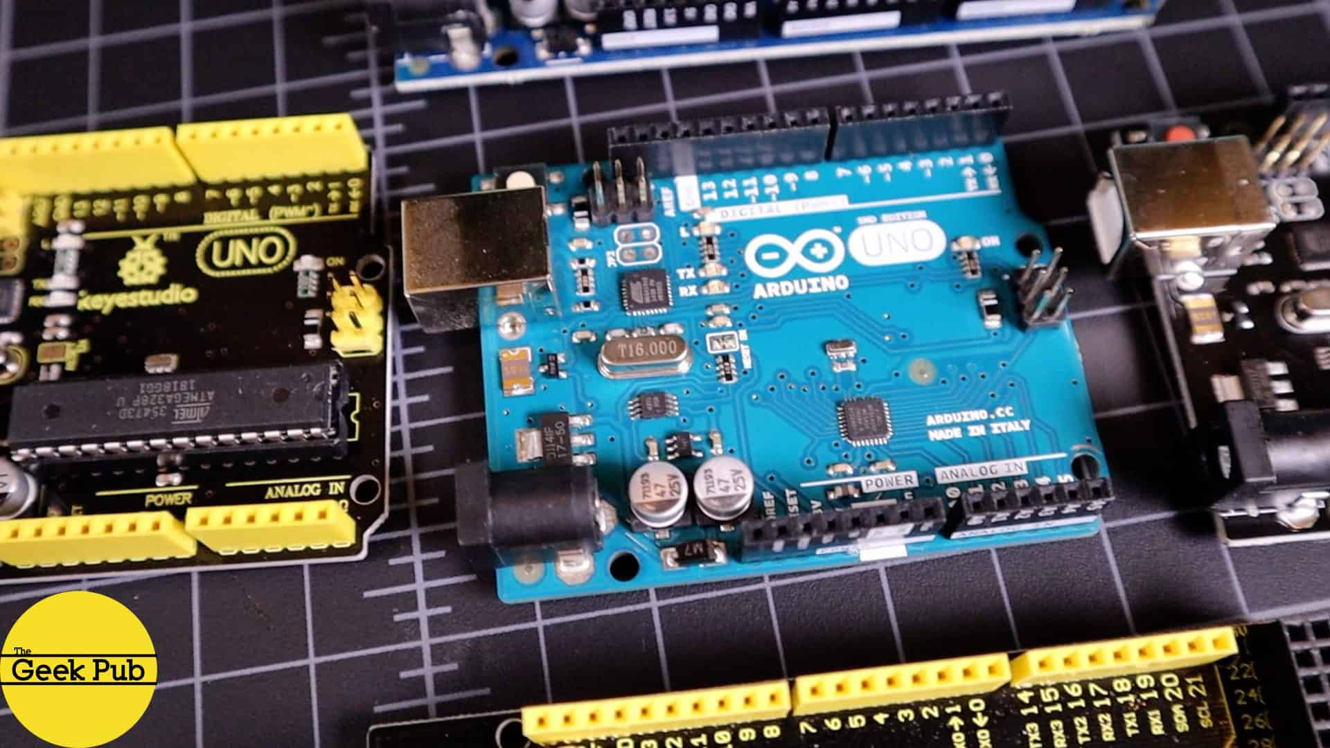 Teensy vs  Arduino: What's the difference? - The Geek Pub