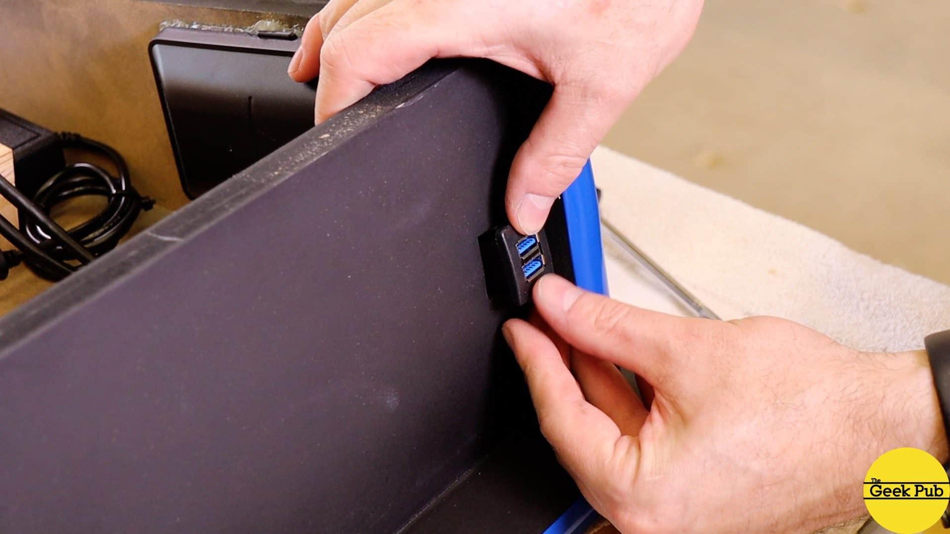 Installing the USB ports