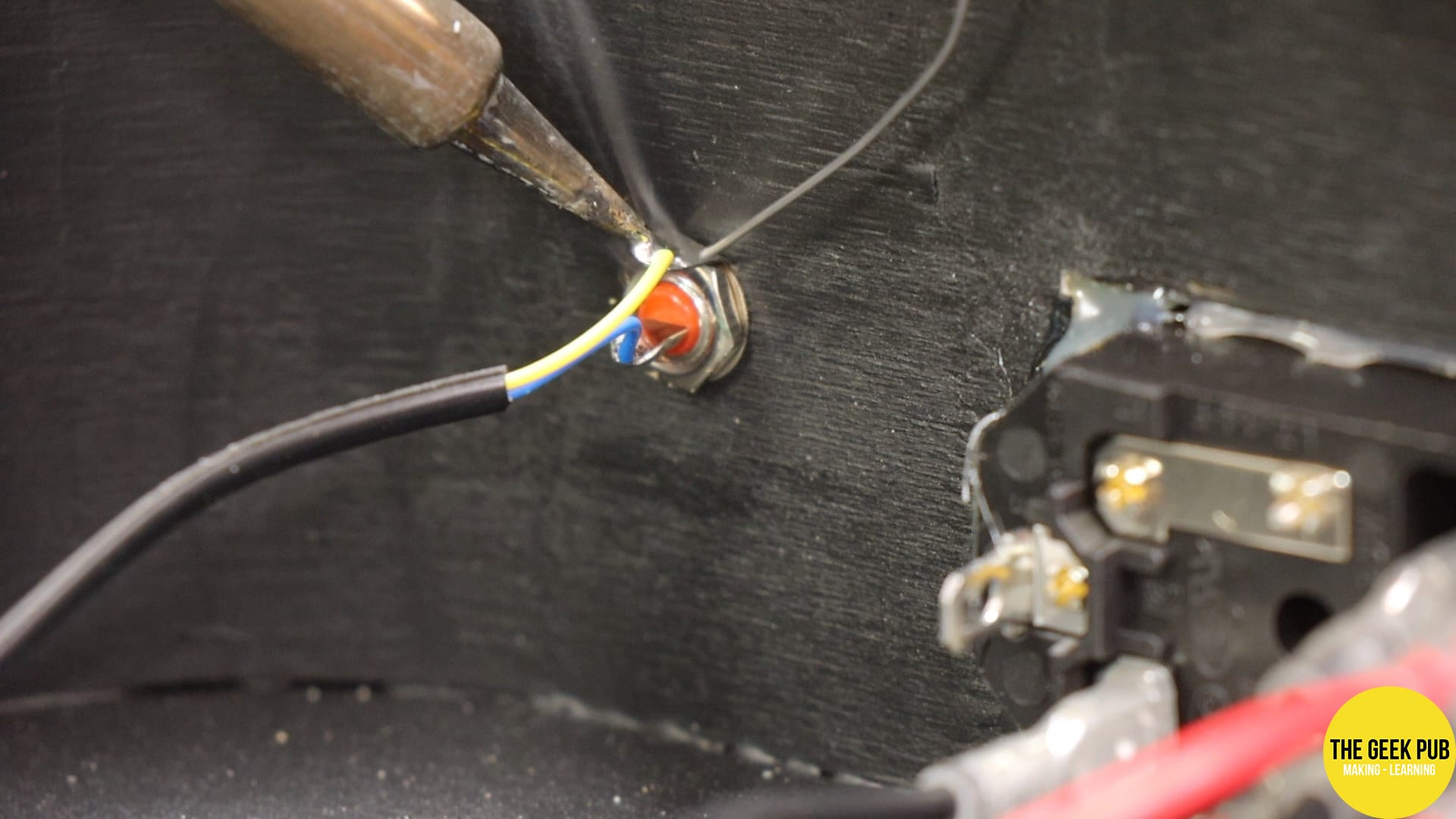 Soldering the RCA video output