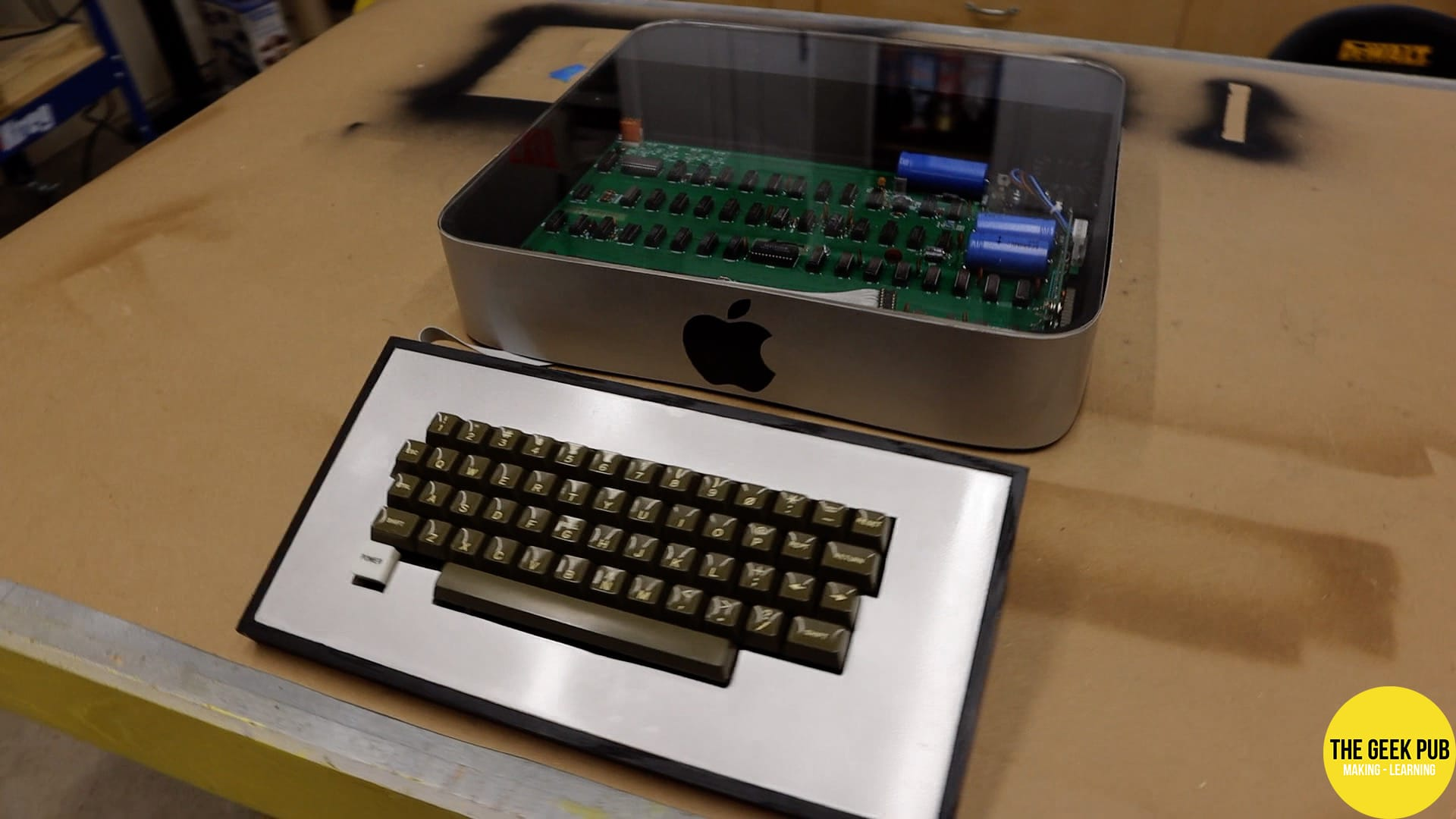 The Complete Apple 1 Case